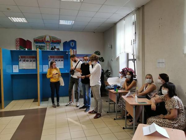 """Azərbaycanlı deputat: """"Belarusda əhalinin seçkiyə marağının yüksək olduğunun şahidi olduq"""" - FOTO"""