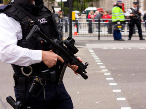 ABŞ polisi cinayətkarın zərərsizləşdirilməsi anını görüntüyə alıb - VİDEO