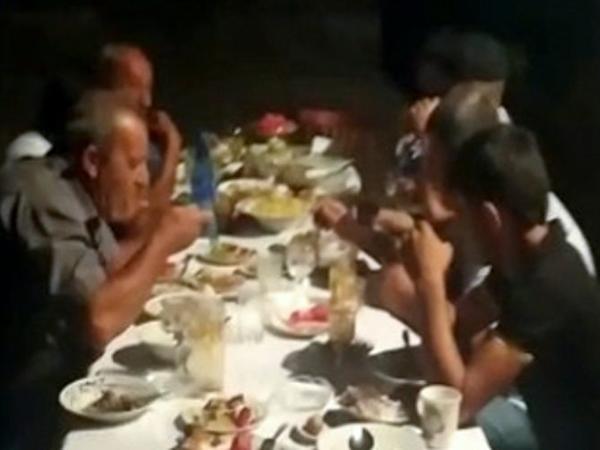Evdə gizli ad günü keçirənlər saxlanıldılar - FOTO