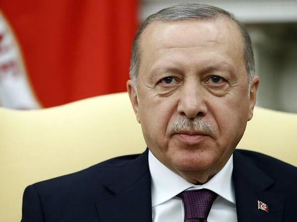 """Ərdoğan: """"Türkiyə süni küləklərlə əyilib, bükülə biləcək bir ölkə deyil"""""""