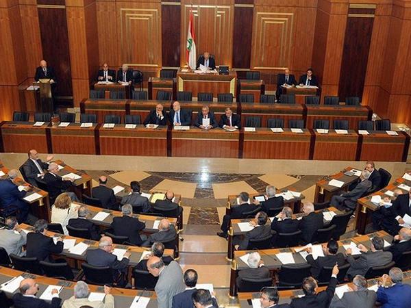 Livan prezidenti hökumətin istefasını qəbul edib