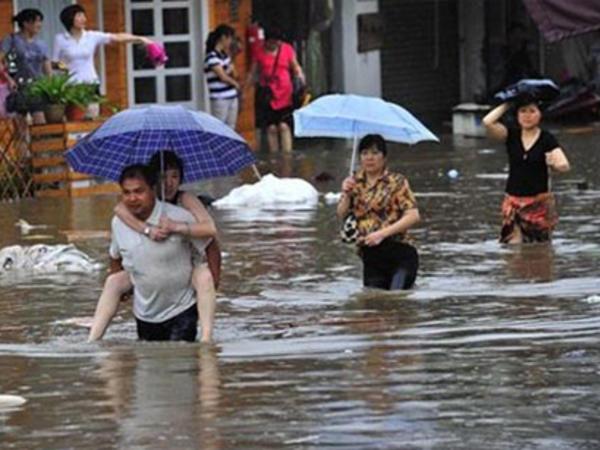 Güclü yağışlar 33 nəfərin ölümünə səbəb oldu