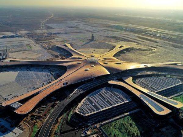 Pekin aeroportlarında 600-dək reys təxirə salınıb