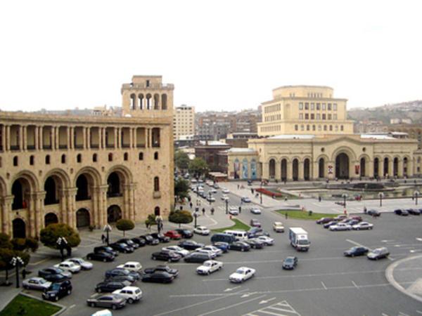 İtalyan jurnalist: Ermənistanda totalitar rejim hökm sürür