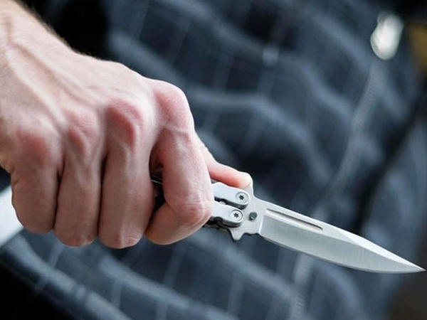 Bakıda gənc oğlana 7 bıçaq zərbəsi vurulub