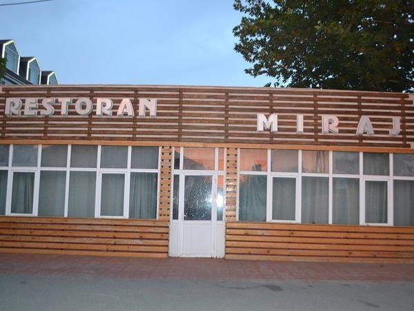 Gizli fəaliyyət göstərən restoran aşkar edildi