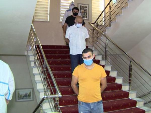 Evdən çıxan 4 koronavirus xəstəsinin 2-si həbs edildi - FOTO