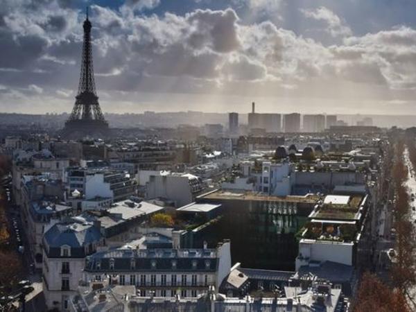 """Fransa sərt karantinə qayıdır: Paris """"qırmızı zona"""" elan edildi"""