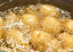 Kartofu suda qaynadanda bu səhvləri etməyin!