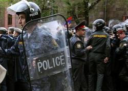 Ermənistanda futbolçular polisi döyüblər