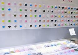 Tokioda tibbi maskaların satışı üzrə ixtisaslaşmış mağaza açılıb