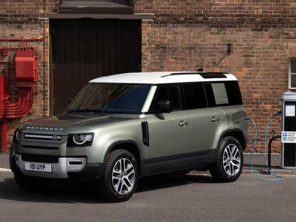 Land Rover Defender yeni top versiyaya və dizel mühərrikinə sahib olub - FOTO