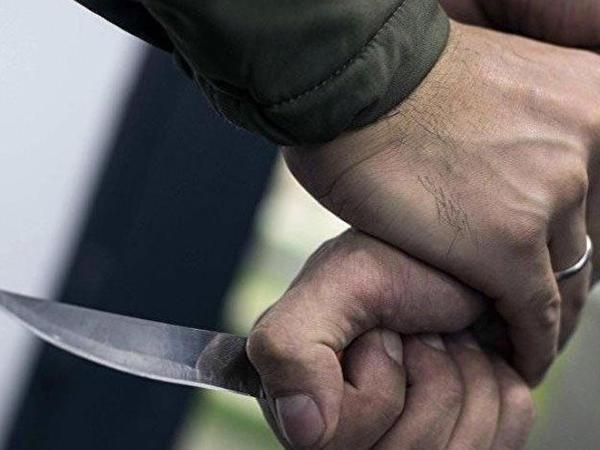Şabranda 29 yaşlı oğlan küçədə ölümcül bıçaqlandı