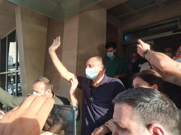Tofiq Yaqublu aclıq aksiyasını dayandırıb, xəstəxanadan evə buraxılır - YENİLƏNİB - FOTO