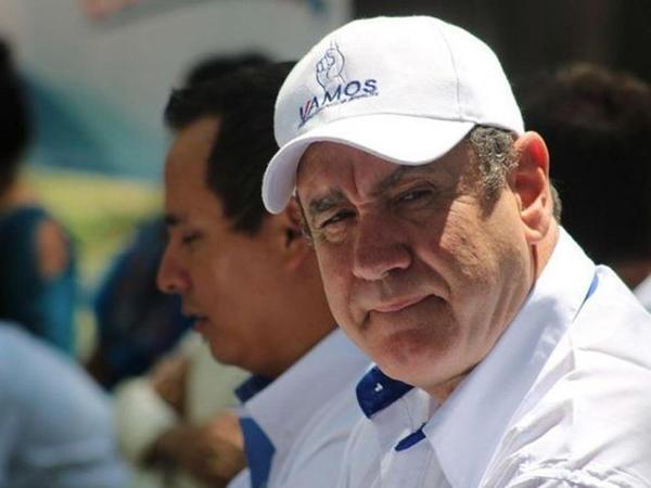 Qvatemala prezidenti koronavirusa yoluxub