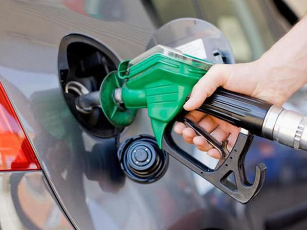 """Bakıda kifayət qədər Aİ-92 benzin ehtiyatı var - <span class=""""color_red"""">SOCAR</span>"""