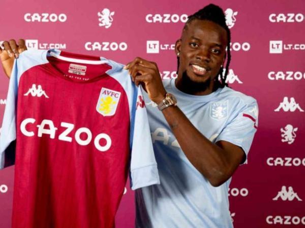 """Aston Villa""da yeni hücumçu"