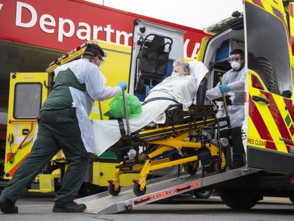 Britaniyada bir gündə koronavirusa 4 422 yeni yoluxma, 27 ölüm