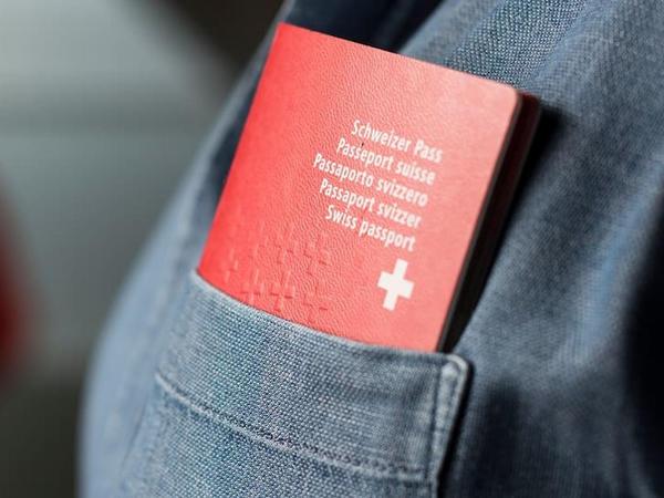 Xakerlər 11 min isveçrəlinin pasport məlumatlarını oğurlayıblar