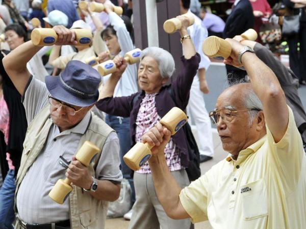 Yaponiyada əhalinin tərkibində yaşlıların sayı dünya üzrə rekord səviyyəyə çatıb