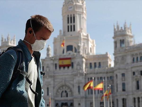 İspaniya hökuməti koronavirusla mübarizə çərçivəsində Madridə hərbçiləri cəlb edəcək