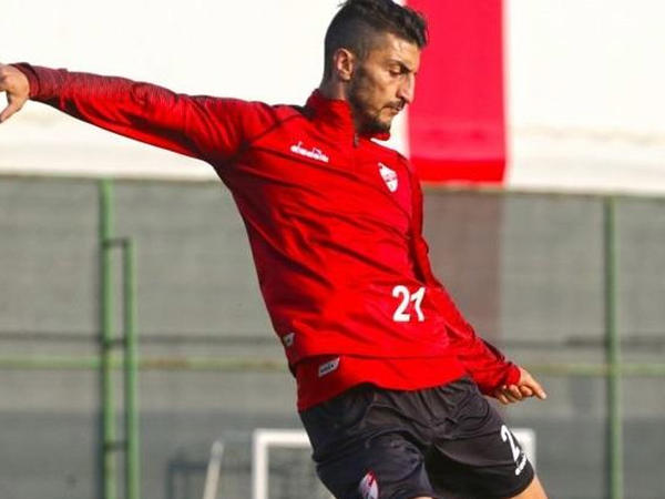 "Araz Abdullayev ""Boluspor""da debüt etdi"