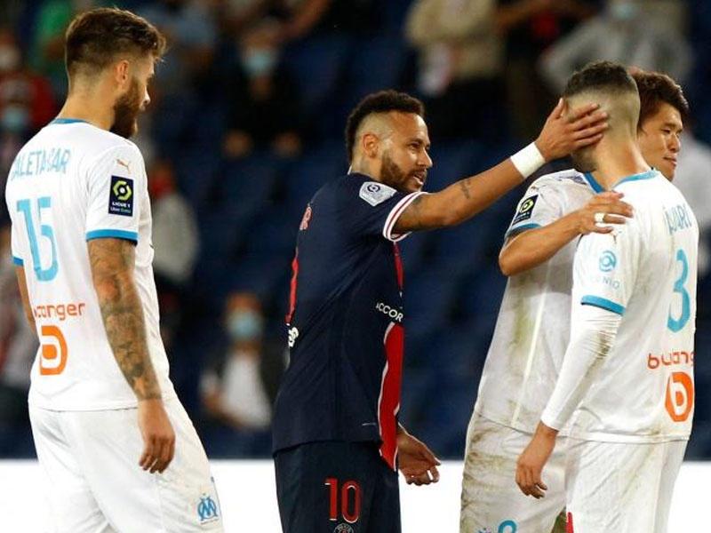 Neymar yapon futbolçunu təhqir edib