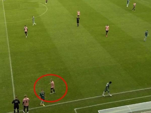 Futbolçu 13-cü saniyədə əvəzləndi - VİDEO