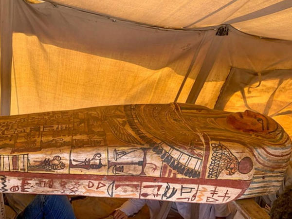 Misirin fironlar məzarlığında 2500 il əvvələ aid sarkofaqlar tapılıb