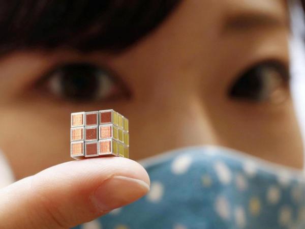 Dünyanın ən balaca Rubik kubu təqdim edilib - FOTO