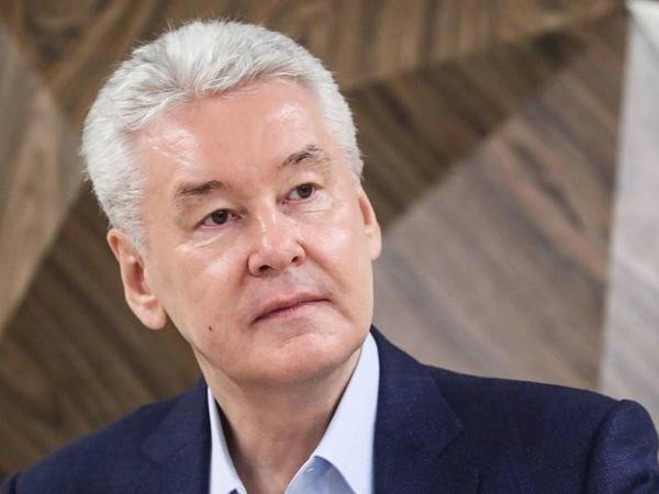 Moskva meri məsafədən iş rejiminə qayıtmağı tövsiyə edir