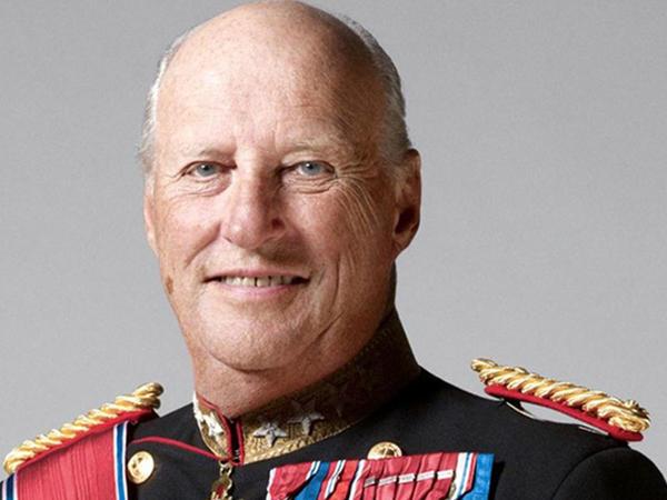 Norveç kralı xəstəxanalıq oldu