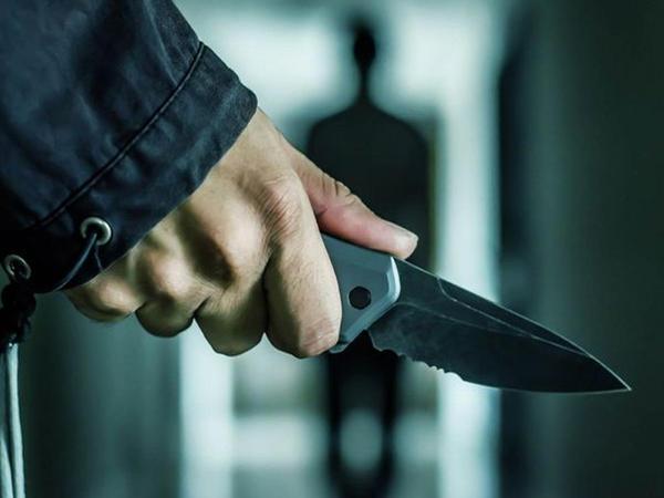 Gəncədə orta yaşlı kişi bıçaqlanıb