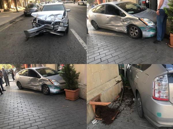 Bakının mərkəzində avtomobil mağazaya çırpıldı - FOTO