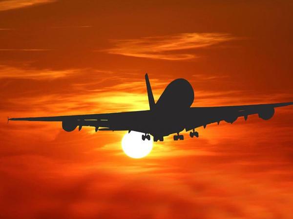 Hindistanda beynəlxalq uçuşlara qoyulan qadağa ilin sonunadək uzadılıb