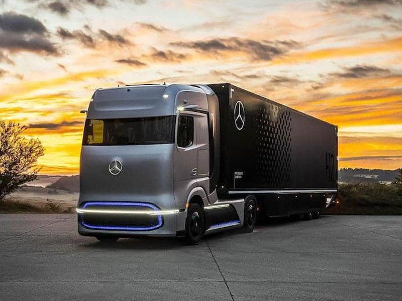 Mercedes-Benz yanacaq elementləri ilə işləyən ilk yük avtomobilini təqdim edib - FOTO