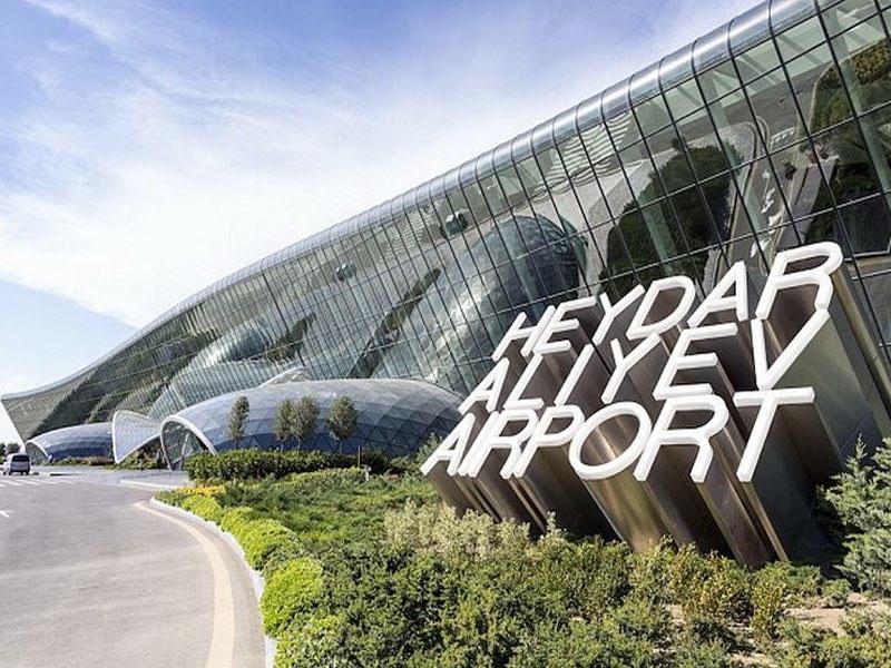 Heydər Əliyev Beynəlxalq Aeroportu fəaliyyətini məhdudlaşdırdı