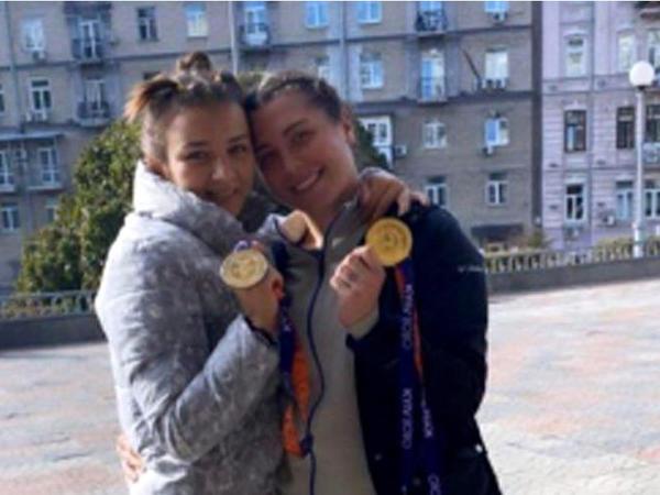 Güləşçilərimiz Ukraynada 2 medal qazandı