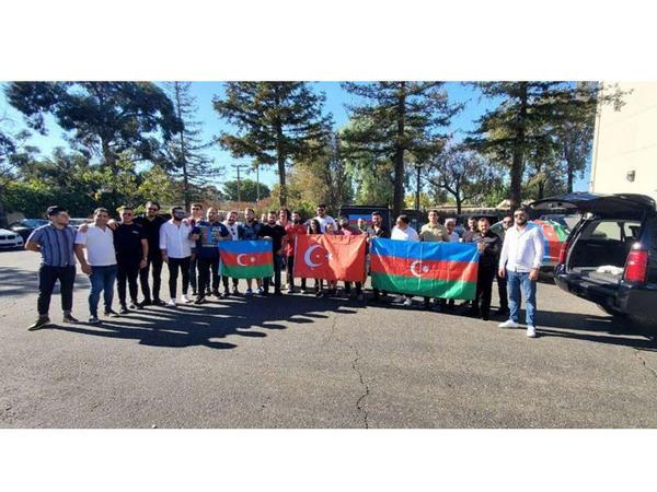 Kaliforniyada işğalçı Ermənistanın Gəncə terroruna etiraz olaraq avtoyürüş keçirilib