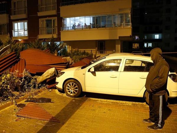 Ankarada güclü yağıntı böyük problemlər yaratdı - FOTO