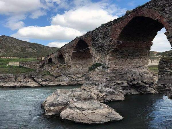 Xudafərin körpüsü üzərində Azərbaycan bayrağının qaldırılması tarixi ədalətin bərpasıdır - Tarixçi