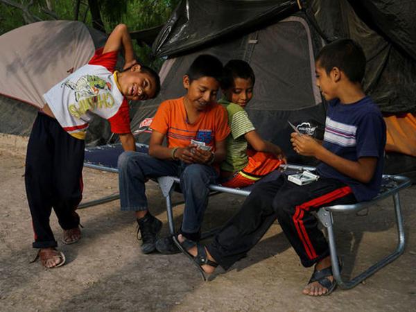545 miqrant uşaq ABŞ sərhədində valideynlərini itirib