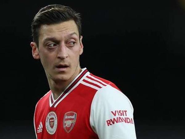"""""""Arsenal""""dan Özilə daha bir zərbə"""