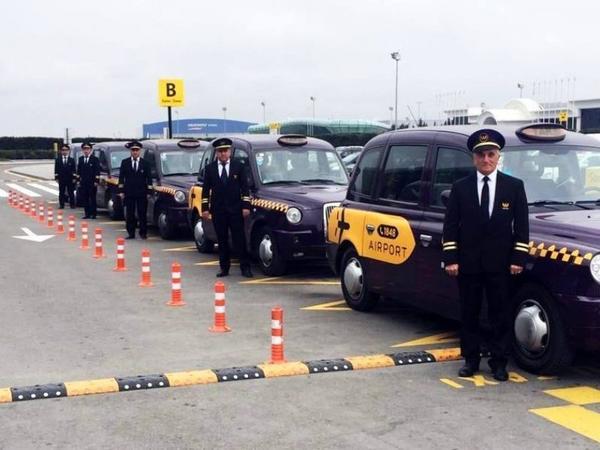 Beynəlxalq hava limanında daşıma xidmətləri göstərən taksi sürücüləri yenidən hazırlıq keçməyəcəklər