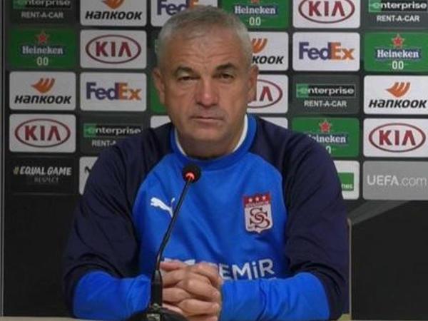 """&quot;&quot;Qarabağ&quot;la harada oynamağımızın fərqi yoxdur&quot; - <span class=""""color_red"""">Rıza Çalımbay</span>"""
