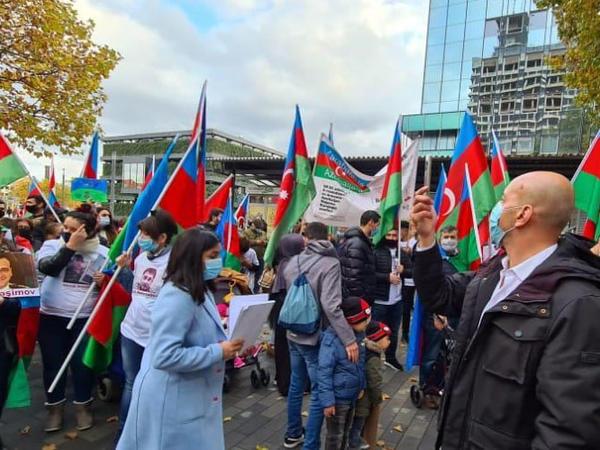 Almaniyada Gəncə terroruna qarşı etiraz yürüşü keçirilib - FOTO