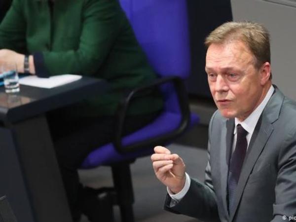 Almaniya Parlamentinin vitse-prezidenti vəfat etdi