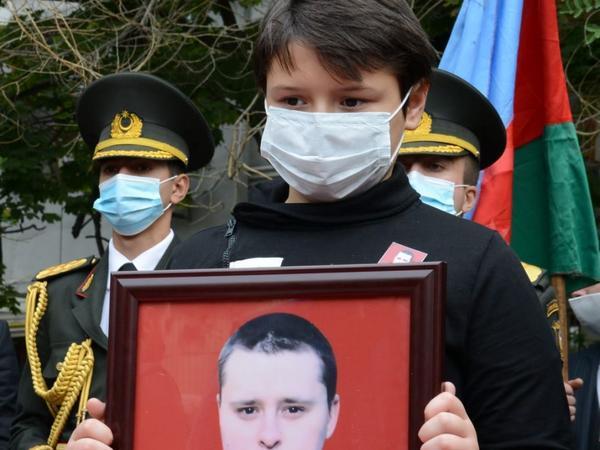 Dmitri Solntsev 2-ci Şəhidlər Xiyabanında dəfn olundu - YENİLƏNİB - FOTO