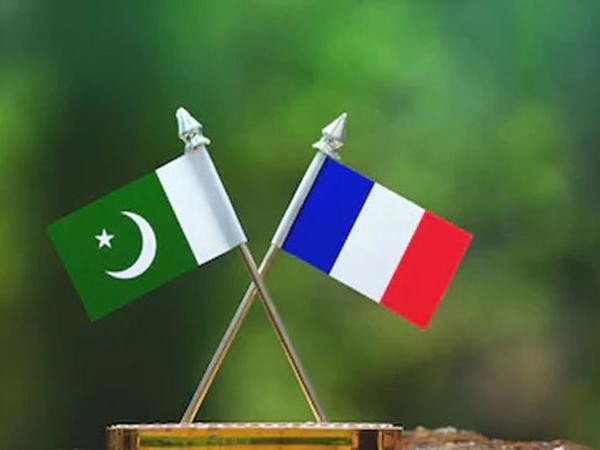 Fransa səfiri Pakistan Xarici İşlər Nazirliyinə çağırılıb