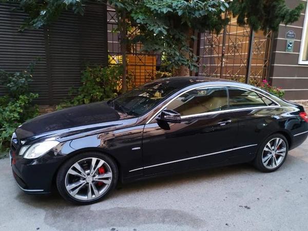 """İş adamı ikiqapılı """"Mercedes"""" hədiyyə etdiyi əsgərlə görüşdü - FOTO"""
